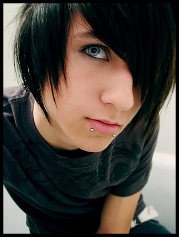hot emo guys with snake bites and blue. 30 Pictures of Adorable Emo