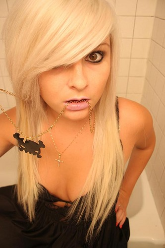 70 Pictures of Sexy Emo Girls